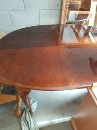 oval brown wooden dining table Barrie, L4N 3T5