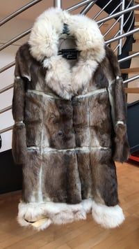 Vintage Unique fur coat (ripped) Toronto, M6G 2Y5