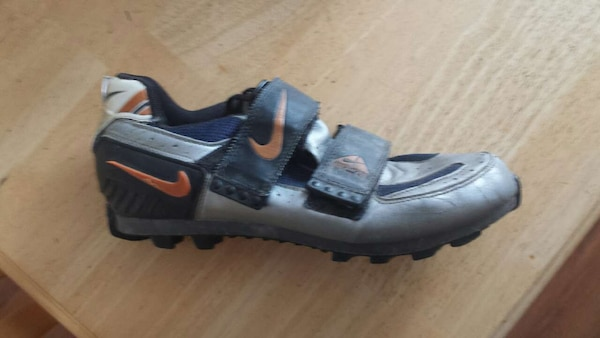 Used Nike ACG Mountain bike shoes with clips for sale in Airdrie - letgo 0e3d2f9b12c3