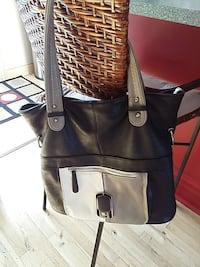 black and white leather tote bag Québec, H1B 3W6
