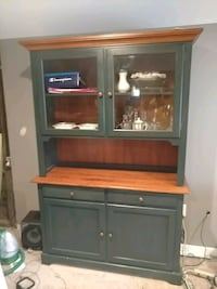 China cabinet table four chairs Shelby charter Township, 48317