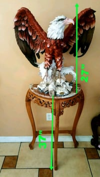 Beautiful sculpture EAGLE/statue from the DeCapoli Los Angeles, 91335