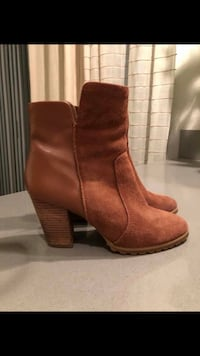 Women's tahari booties sz. 6.5 Los Angeles, 90045