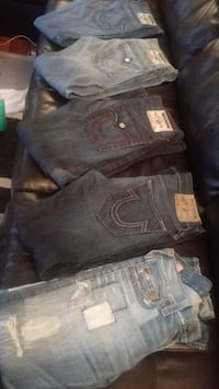 True Religion 3/size 30 & 2/ size 29 PITTSBURGH