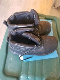 Hiking Boots size 9 Calgary, T2P 0V4