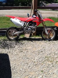 red and black Honda motocross dirt bike New Freeport, 15352