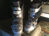 pair of black-and-gray snowboard boots Escondido, 92027