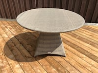 Resin outdoor dining table Bolton, L7E 2X1