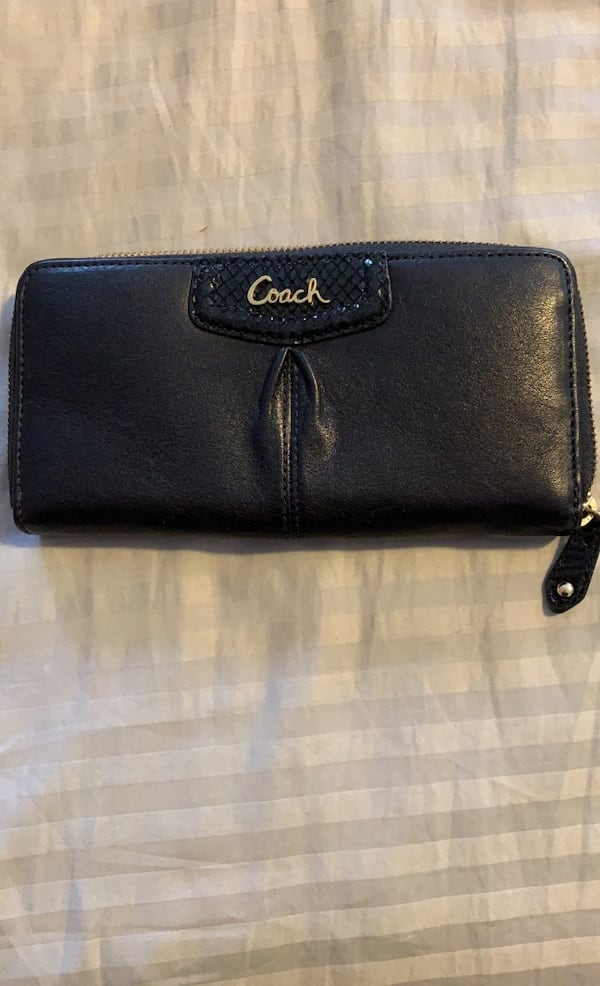 Authentic COACH leather purse and zipper wallet set 3