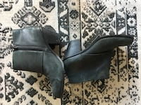 Grey Leather booties, size 7.5 Chicago, 60604