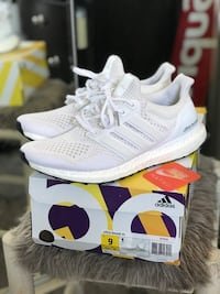 Adidas Ultra Boost White Yeezy Size 9 Carson, 90745
