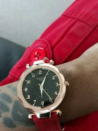 round black chronograph watch with red leather strap Washington, 20001