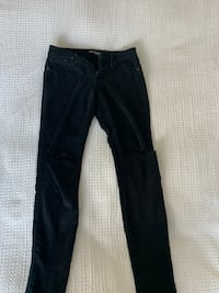 Express ripped skinny jeans size 4 Cranston, 02921
