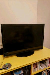 "Dynex 32"" TV with Remote Mandeville, 70471"