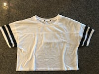 sporty crop top size small Vancouver, V6B 0E8