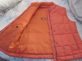 Brand New WindRiver T-Max Insulated Ladies Cold and cool Weather Vest