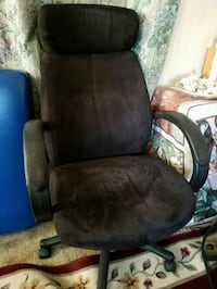 brown leather padded rolling armchair Belleville, 07109