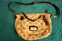 Coach crossover bag very big hold everything  Mustang, 73064