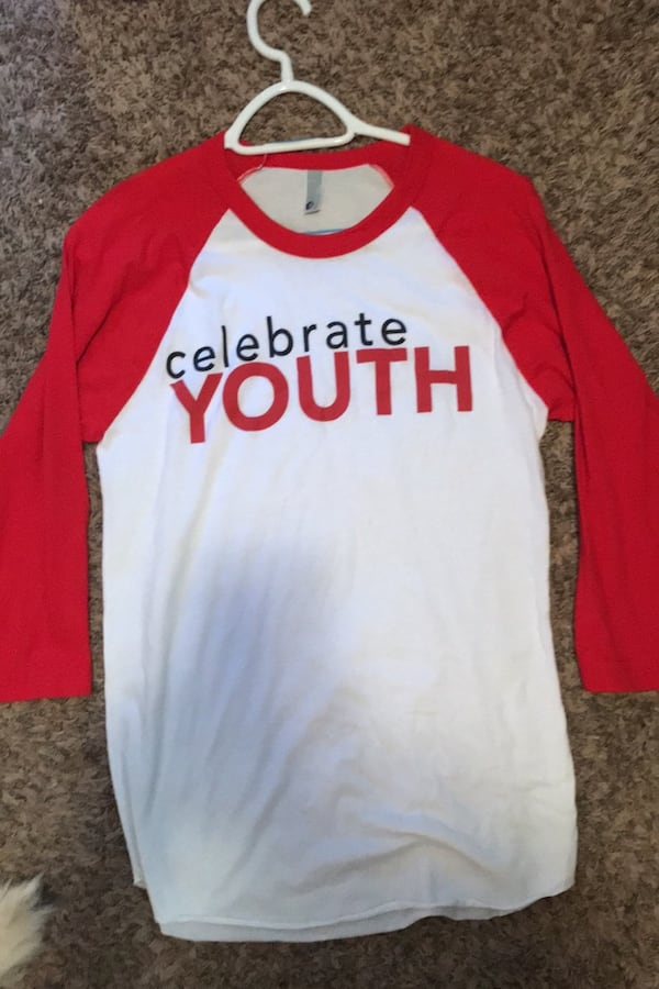 Womens red and white celebrate shrt size S 0