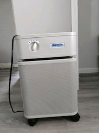 white and gray portable air cleaner. Los Angeles, 91304