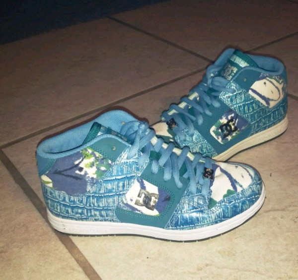 b678d34c8ce Used blue-and-white DC sneakers size 7 for sale in West Valley City - letgo