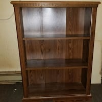 BOOKCASE IN EXCELLENT CONDITION  Windsor, N9C 2B4