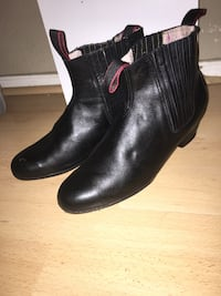 Pair of black leather boots Chandler, 85225
