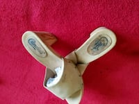 pair of white leather sandals Mansfield, 76063