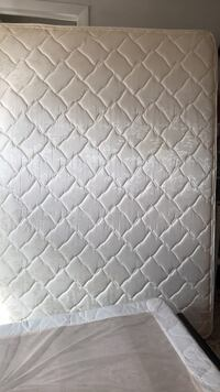 quilted white and gray mattress Hialeah, 33012