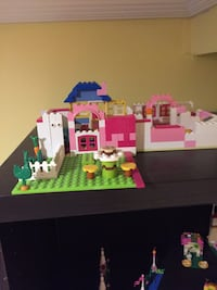 LEGO friends sets and books ( all of it ) Mississauga, L5M