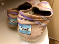 Toms shoes Maryland Heights, 63146