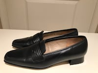 pair of black leather loafers, size 8 Reston, 20190