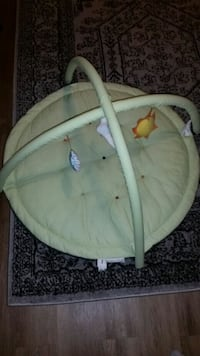 Baby crawl gym ($15 final, like new) Vienna, 22180