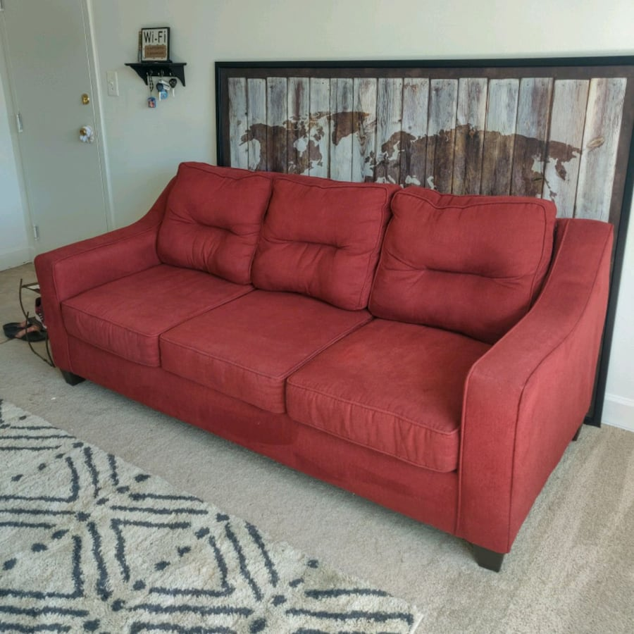 Red Couch For Sale! efa459c0-f2b9-4630-95ea-531480a0989e