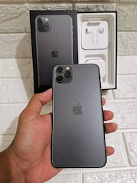 Iphone 11pro for sale comes with all accessories