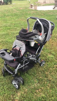double stroller &  matching car seat Highspire, 17034