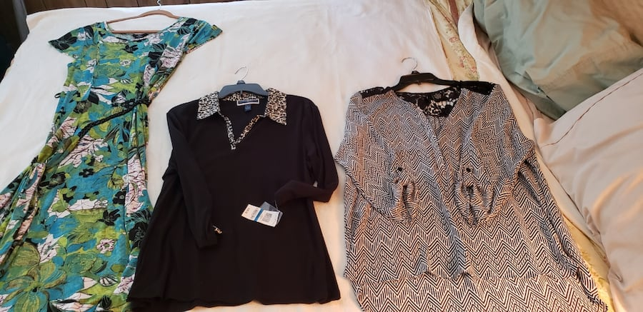 Brand new dress and tops dress is M and tops are.xlarge ba9e3e97-08fd-4ce9-9bba-f5716fac1b51