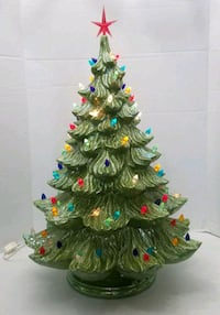"24"" light green ceramic Christmas tree  44 mi"