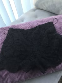Lace black shorts size Medium  Toronto, M4Y