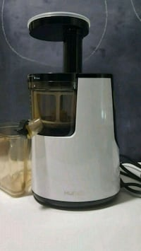 Hurom Slow Juicer and Smoothie Maker  New York, 10037