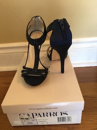 Pair of navy blue open toe ankle strap heels size 6M (brand new!) Toronto, M6P 2T4