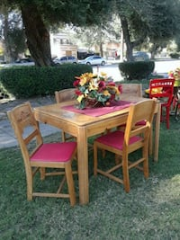 1940s dining table with 4 chairs and 1 leaf San Bernardino, 92405