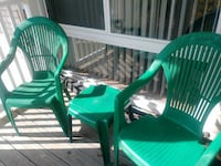 green and brown wooden rocking chair 32 mi