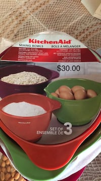 Kitchen aid mixing bowls 3 pack - value 30.00 Toronto, M9W 7J4