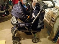 Chicco keyfit stroller with 2 bases the carseat Des Moines, 50320
