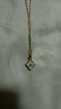 gold chain link necklace with cross pendant Baltimore, 21216