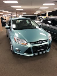 2012 Ford Focus (Up to $300 Cash Back!!!)