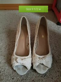 women's 9 1/2 pair of white lace-overlay peep-toe  Bozeman, 59715