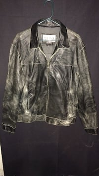 Sz. L, M. Julian Wilson Leather coat West Allis, 53214