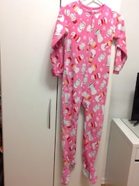 Carter's  oshkosh pink and white snowman print footie pajama  for kids excellent conditions size 7.